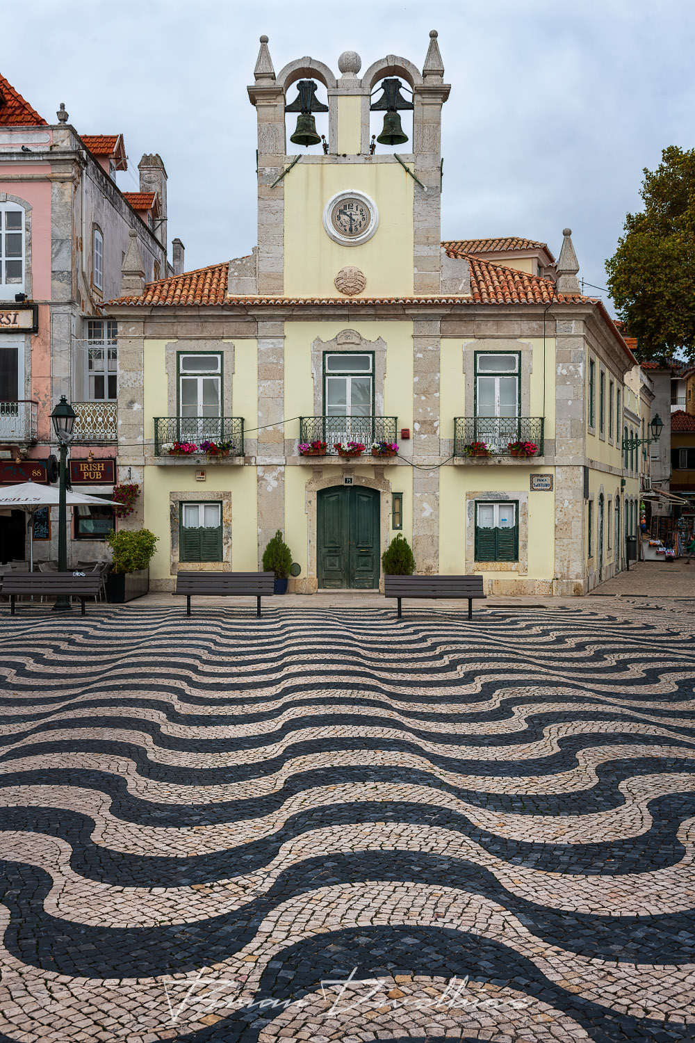 Larger Wavy pattern in tile in Cascais, Portugal.