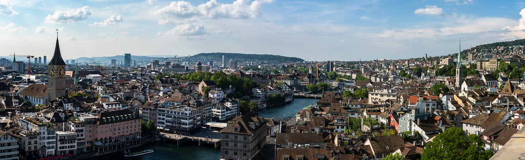 Panoramic view of Zürich from the Grossmünster towers.